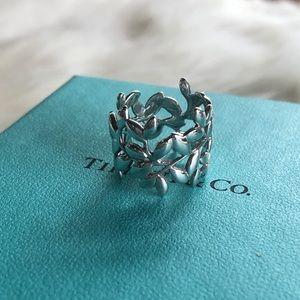 Tiffany & Co. Paloma Wide Olive Leaf Band Size 5.5
